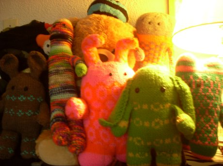 amigurumi & plush friends at home