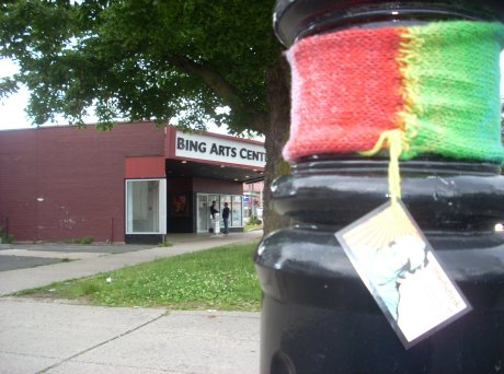 Pride yarnbomb @ the Bing